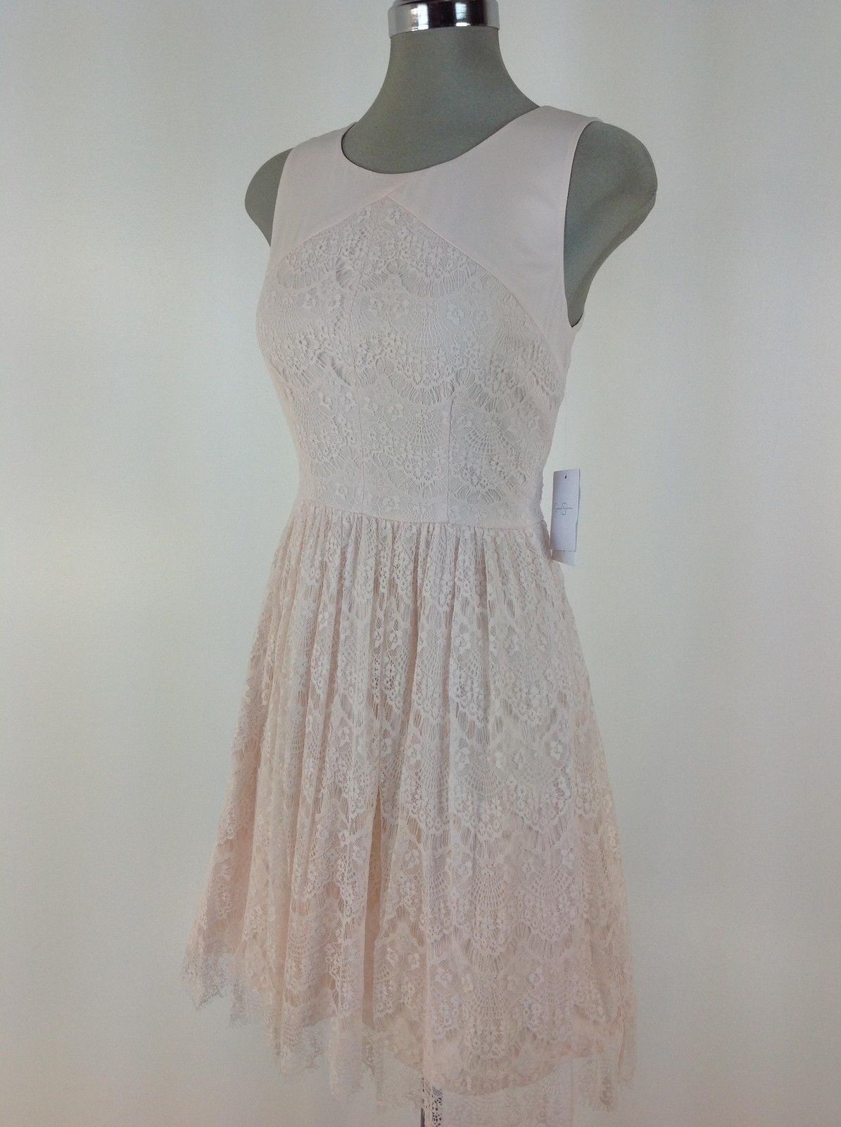 Jessica simpson wt pink lace dress with peek a boo back exposed gold