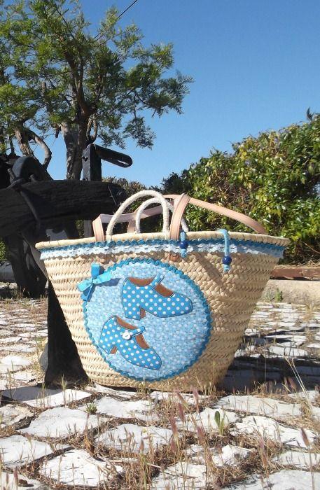 """Capazo flamenco modelo """"Tanguillo"""", a la venta en www.tiendacalafina.com #capazos #capazosdecorados #capazosplaya"""