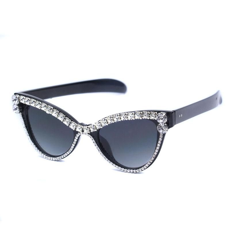 a39e5eae00c Cute Sexy Women Cat Eye Sunglasses Vintage Brand Designer Crystal Diamond  Frame Glasses Gradient Sun Glasses