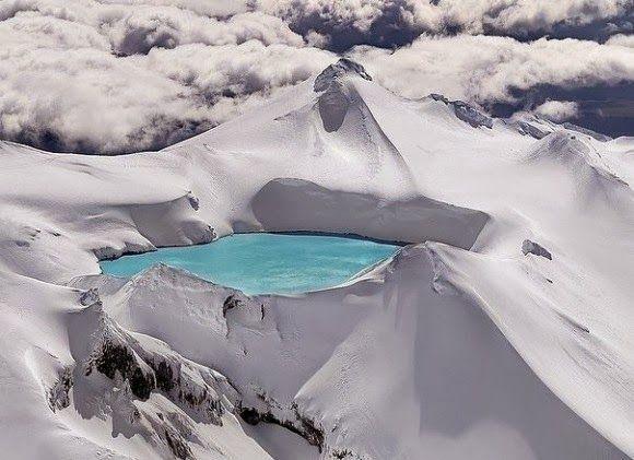 Um vulcão que deu origem a um lago