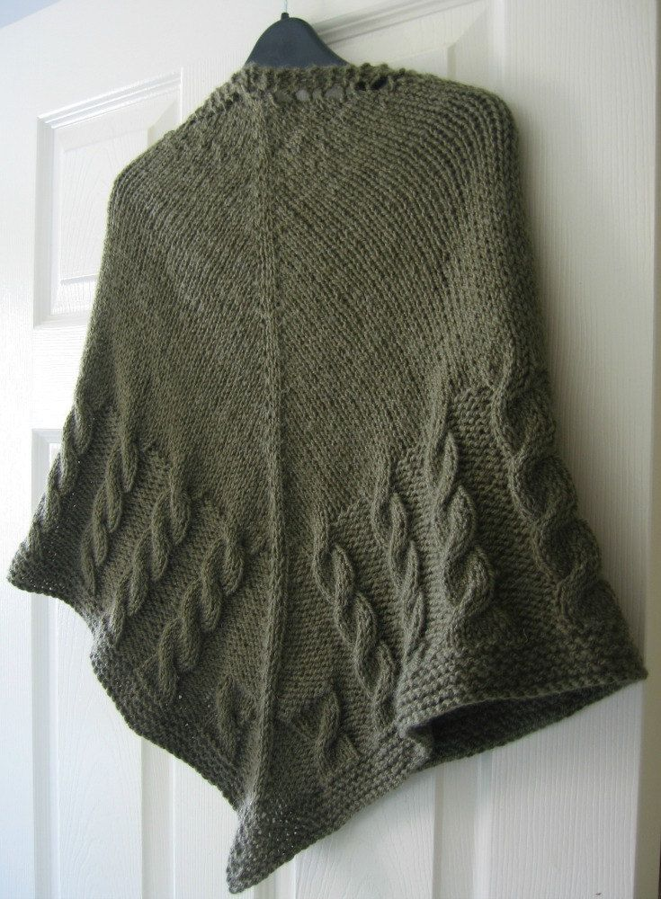 Cable Knit Shawl Pattern : Shawl Knitting Pattern PDF, Triangular Shawl with Cables, Written Instruction...