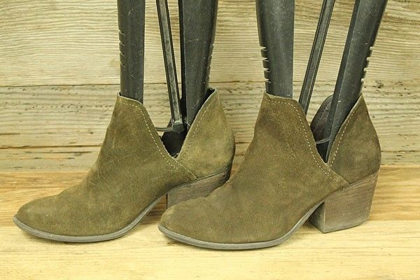 47ffbd6379d STEVE MADDEN ADELPHIE WOMEN LEATHER SUEDE STACKED HEEL ANKLE BOOTIES BOOTS  SZ 8M