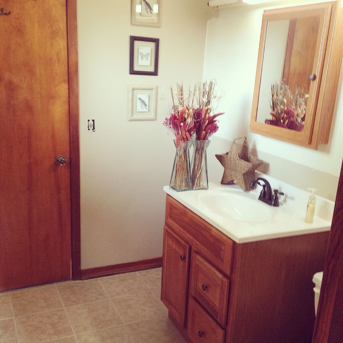 Simply half bathroom. Light colors and wood times! Color in called ...