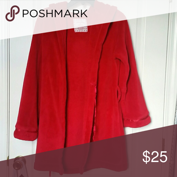 Super soft Sleepwear Red Riding Hood Thick red soft as a blanket 100% polyester material extremely comfortable in great condition Will definitely keep you warm  Send me an offer and as always we can trade if you really want it Xhilaration Intimates & Sleepwear Robes