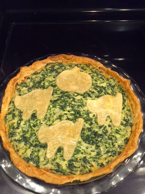 La Bonne Vie- An Eating, Drinking & Cooking Diary!: Spooky Spinach Pie with Savory Scaredy Kitty Crack...