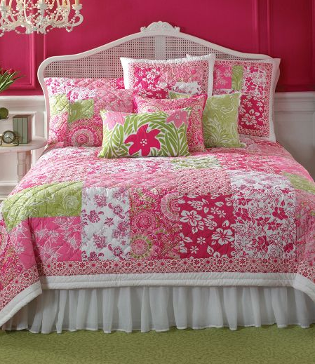 pretty pink and green patchwork bedding and girls bedroom decor pink green home decor. Black Bedroom Furniture Sets. Home Design Ideas