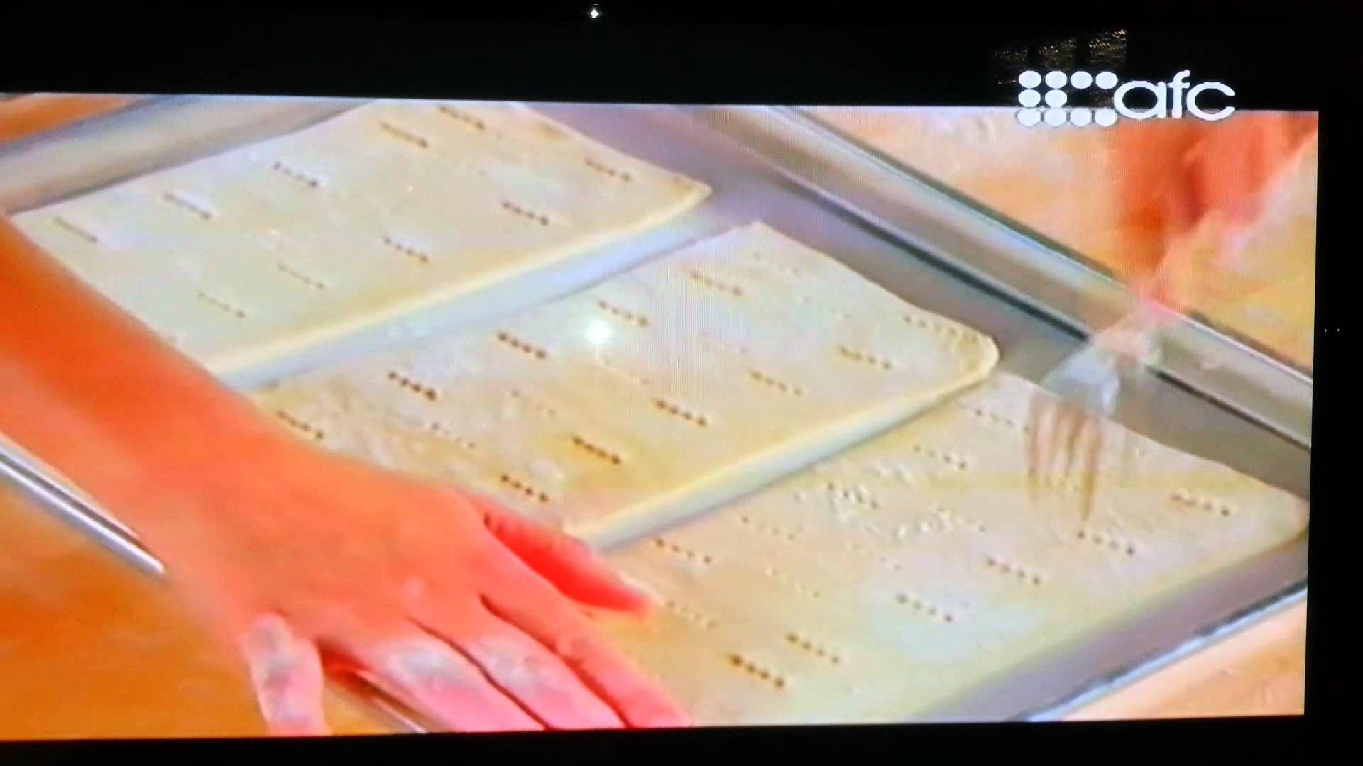 Puff pastry. Napoleon dessert.