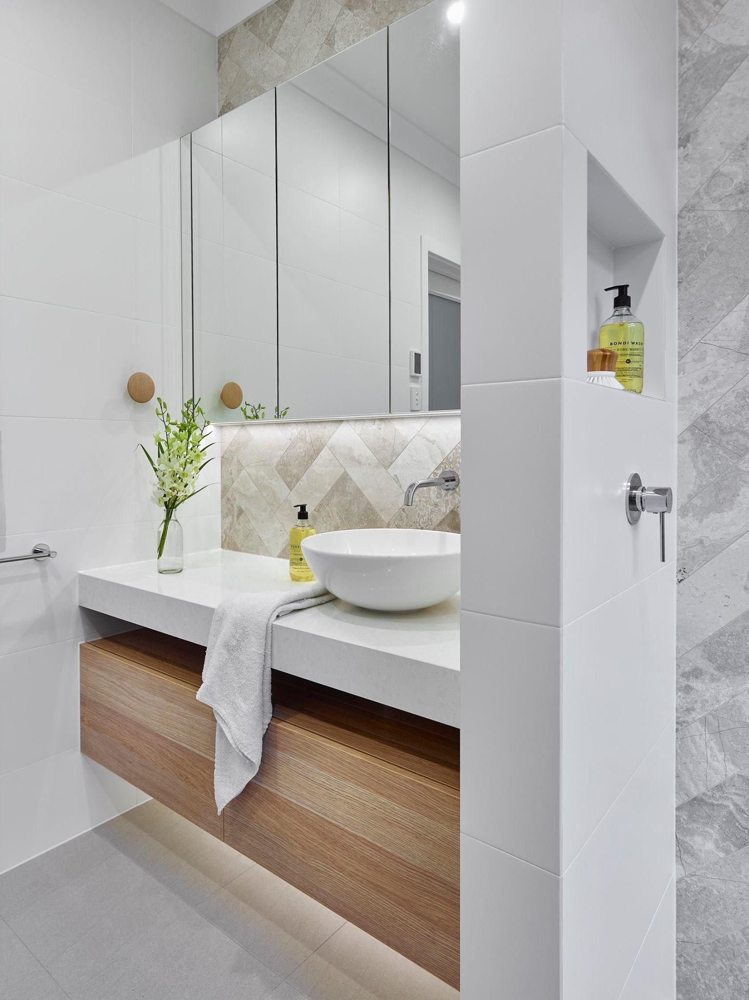 Pin by Marta Kaczmarczyk on łazienka   Pinterest   Bathroom designs ...