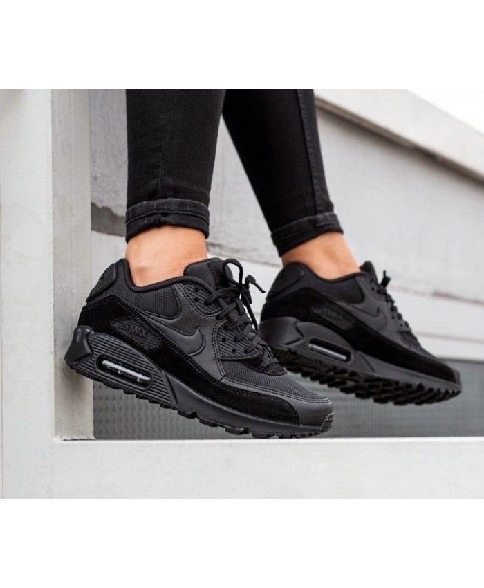 Nike Air Max 90 Trainers In Black   Nike air max 90 outfit ...
