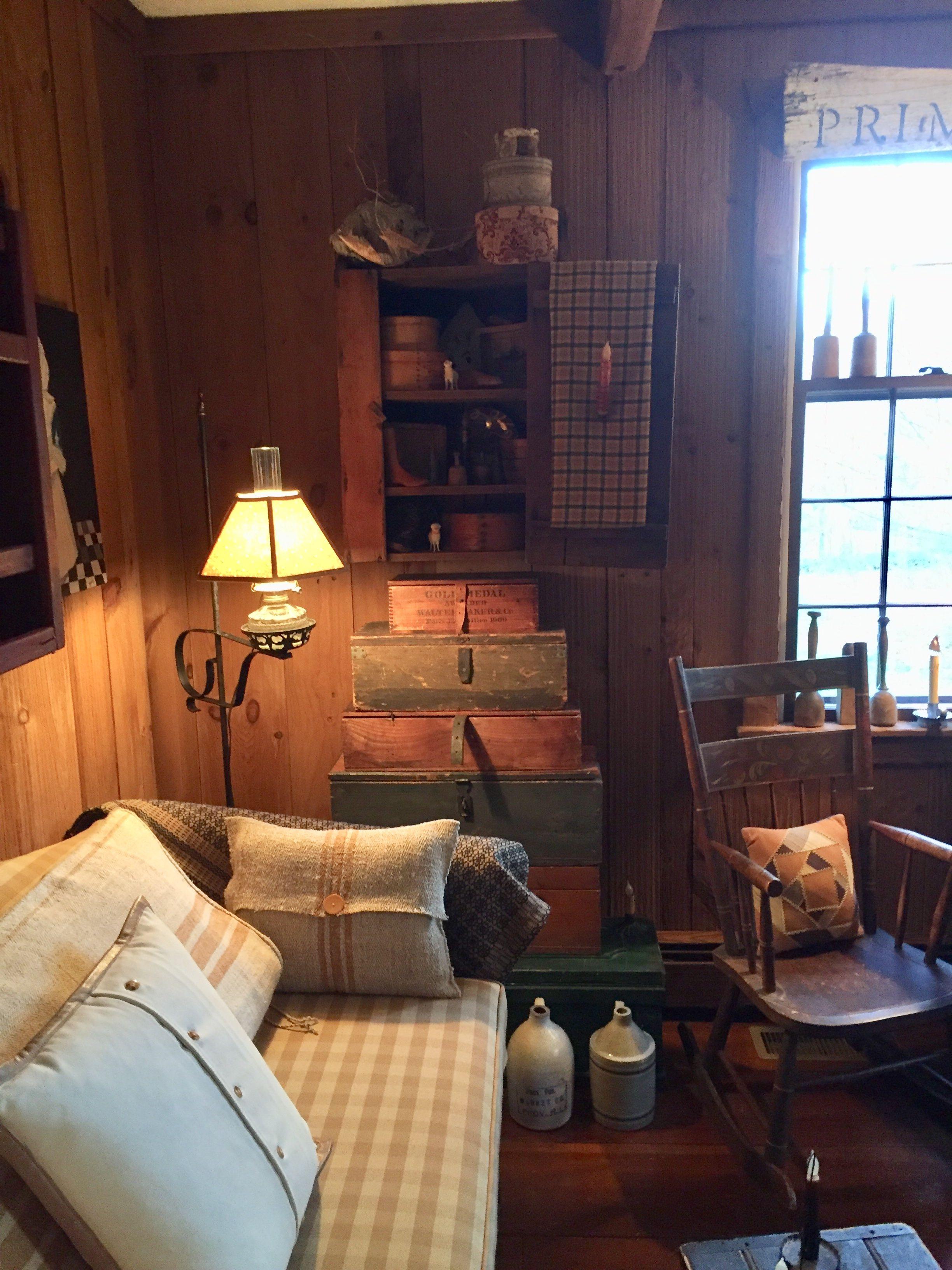 Old Fashioned Cabin Cabin Living Room Decor Cabin Living Room