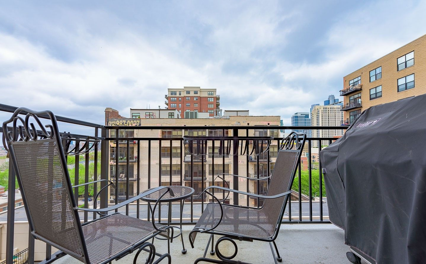 Great apartment balcony in the South Loop neighborhood of ...
