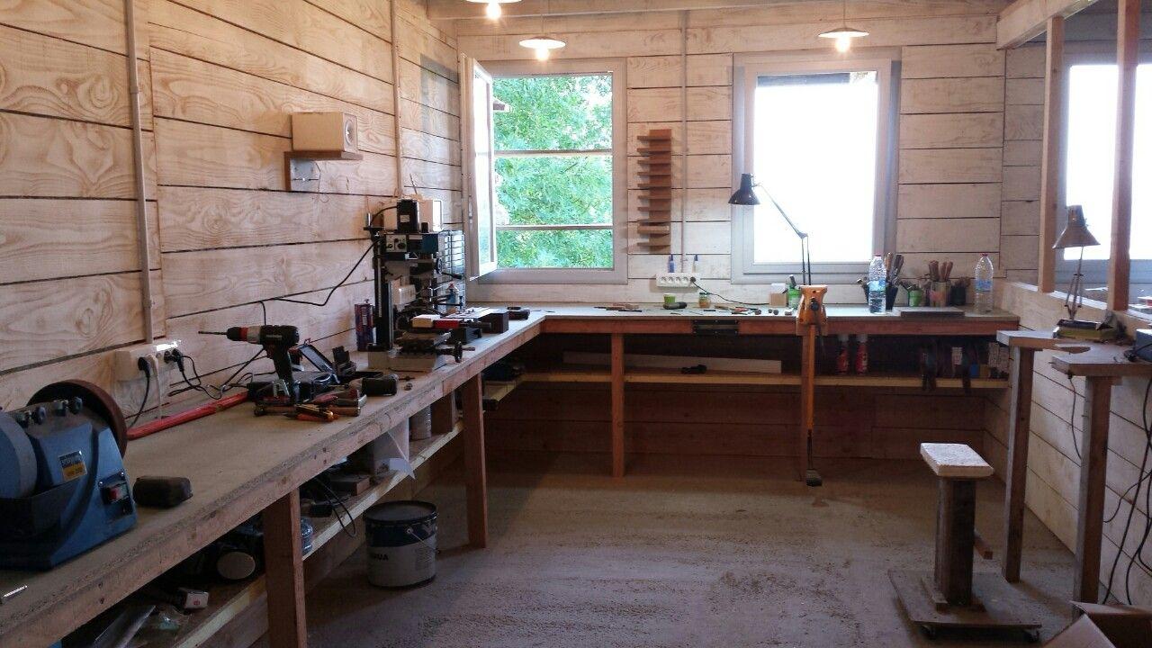 my new workshop bricolage atelier moto rangement. Black Bedroom Furniture Sets. Home Design Ideas