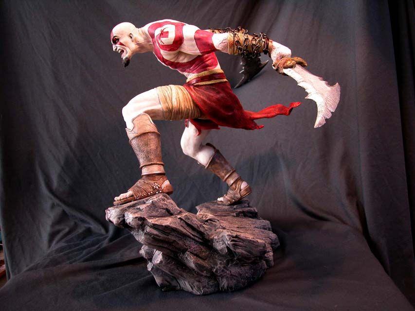 http://fc04.deviantart.net/fs13/f/2007/025/5/d/Kratos_sculpture_2_by_MarkNewman.jpg
