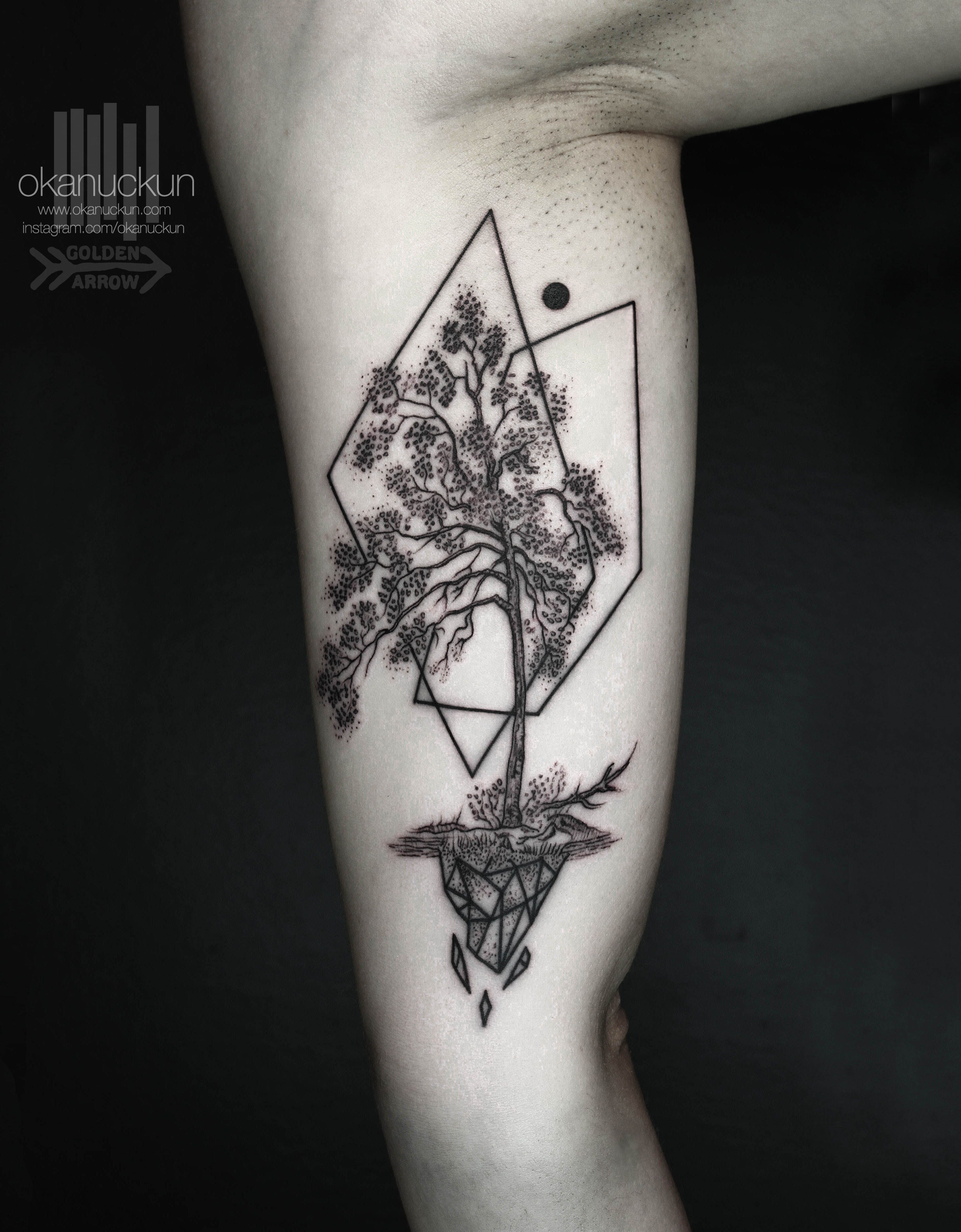 Tree Geometric Linework Tattoo Abstract Triangle Okanuckun Turkey Imnotminimal Blackwork Bla Surreal Tattoo Simple Tree Tattoo Geometric Tattoo Tree