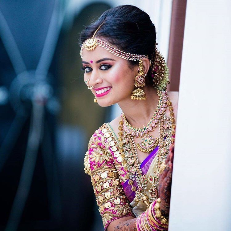 Hairstyles With Flowers Kerala: Pin By Spandana Reddy Sappidi On SouthIndian Bride