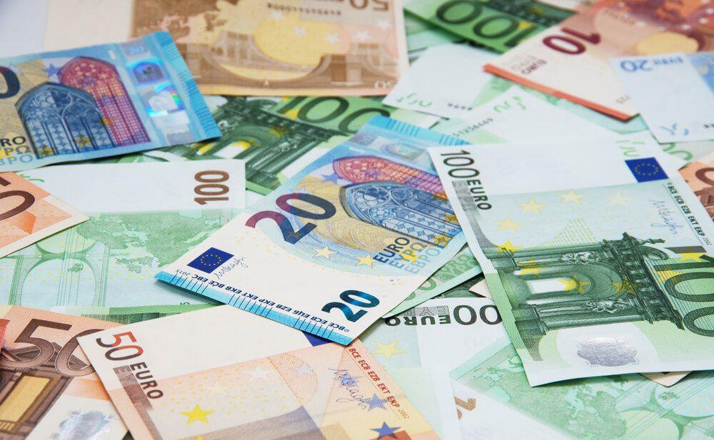 Euro increases as dollar rebound weakens trade12