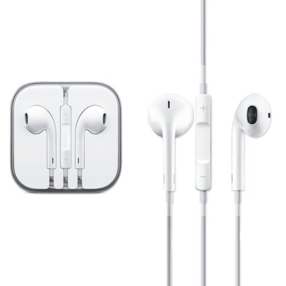 Apple Earbuds W Microphone And Remote Apple Earphones Iphone Headphones Apple Headphone