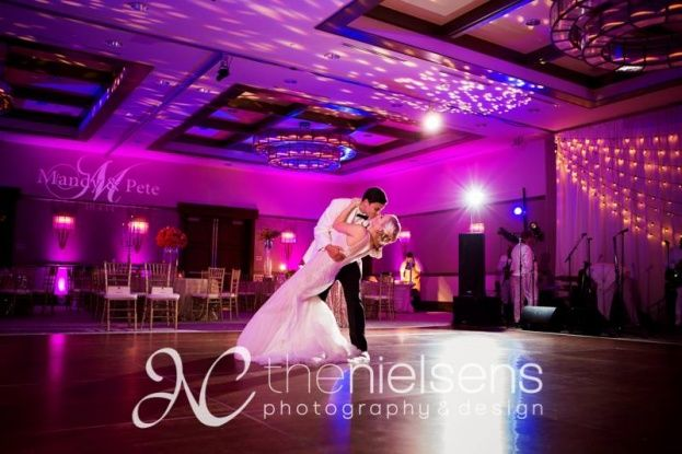 Magenta Uplighting The Alfond Inn Glam Gold And Wedding Rollins College Knowles Chapel Wonderful Weddings Nielsens Photography Design