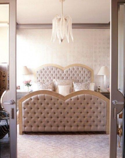 Arredare una camera da letto in stile liberty - Letto a cuore