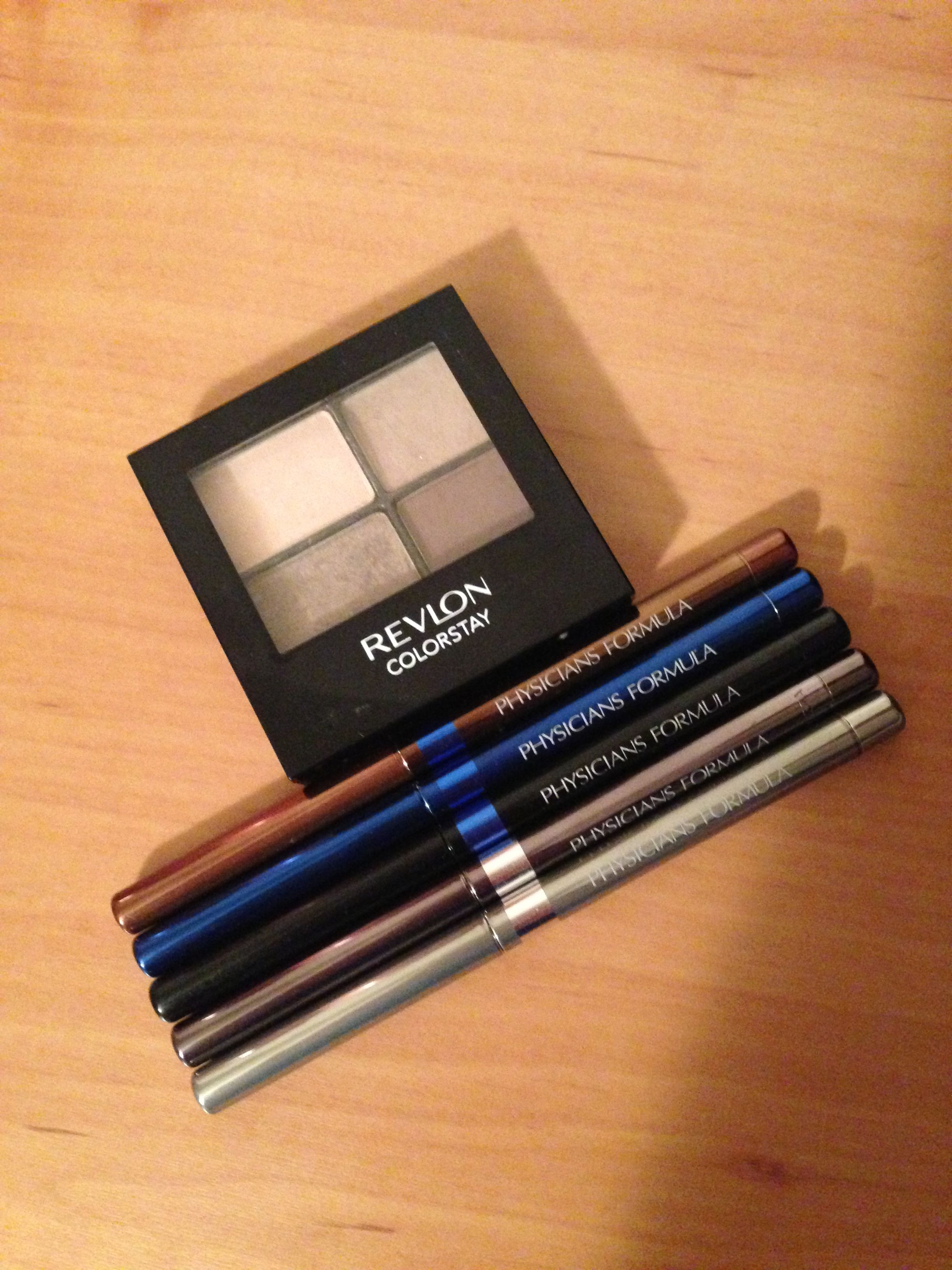 Revlon colorstay eyeshadow quad in addictive its been well loved revlon colorstay eyeshadow quad in addictive its been well loved for my eyebrows yup you heard me i apply it with an flat edge eyeliner brush ccuart Images