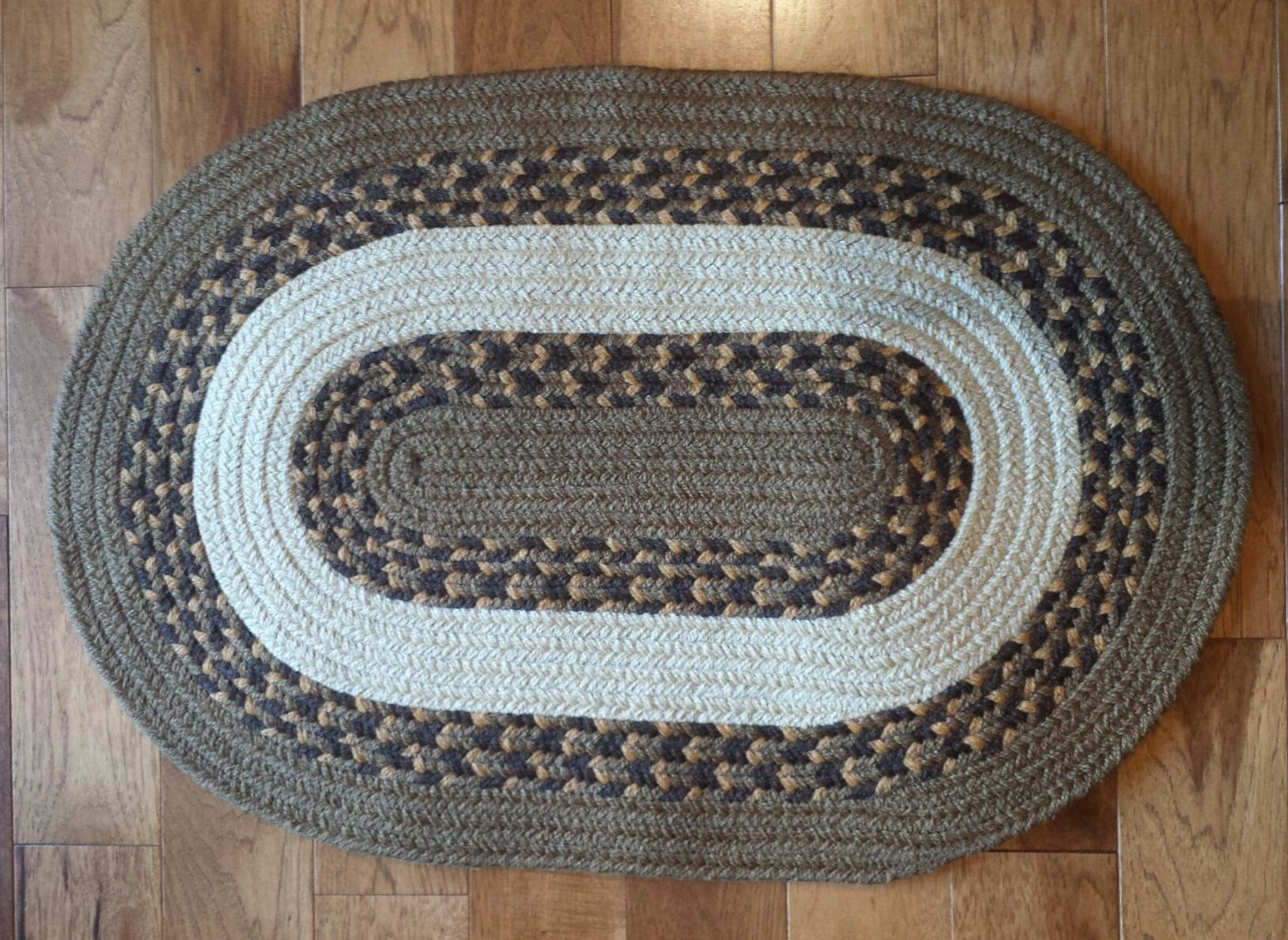 Custom Rug Machusetts Using Charles Blend Heather Dark Wicker Block Cream This High Quality Braided Is Made By American Workers At Our