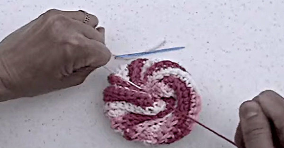How Cute Are These Learn To Crochet Spiral Scrubbies Cool Crochet Spiral Scrubbies Pattern