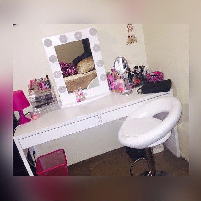 Impressions Vanity Hollywood Classic Vanity Mirror  https://instagram.com/j.a.n.e.tt/