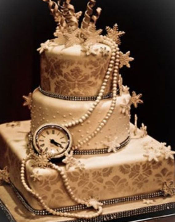Beautiful Steampunk Wedding Cake Not Crazy On The Snowflake Trinkets But Love Pearls And