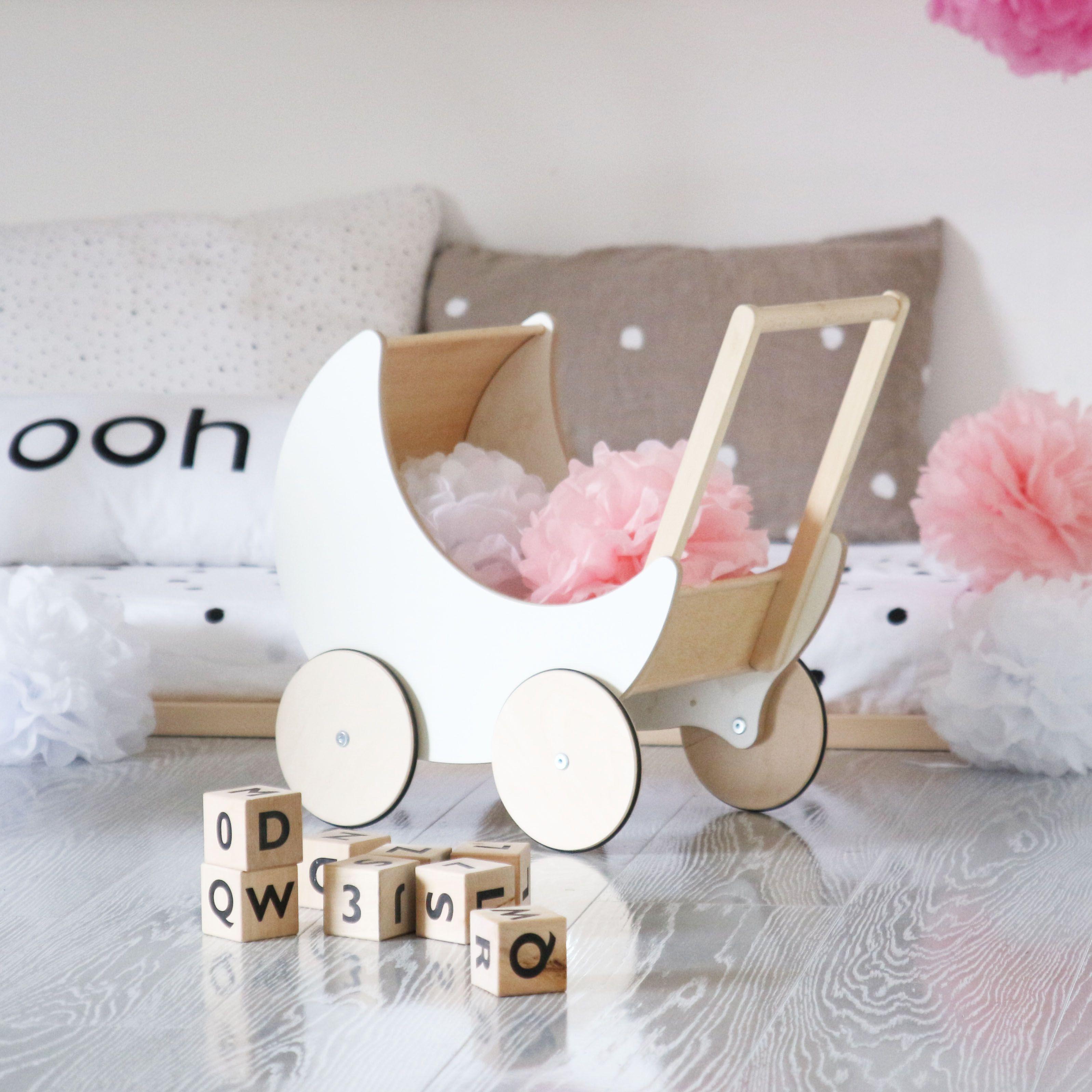 dieser s e puppenwagen von ooh noo ist mit worten kaum zu beschreiben in spielzeug puppen. Black Bedroom Furniture Sets. Home Design Ideas
