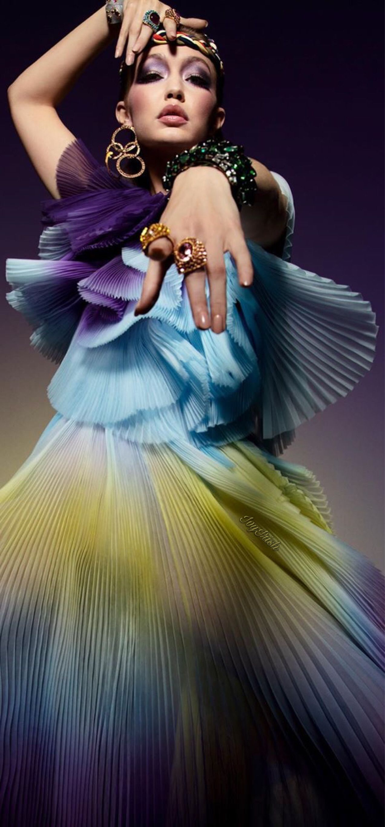 #givenchy #gigihadid #vogueparis #2020 #fashion