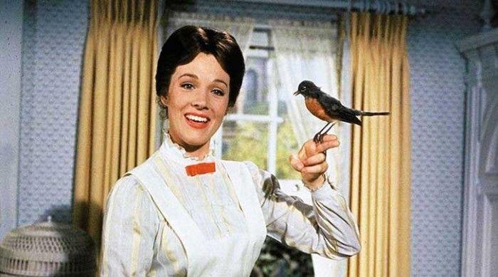 """Mary Poppins: """"Cada trabajo que se debe terminar, hay un elemento de diversión. Encuéntralo y ¡listo! el trabajo es un juego"""