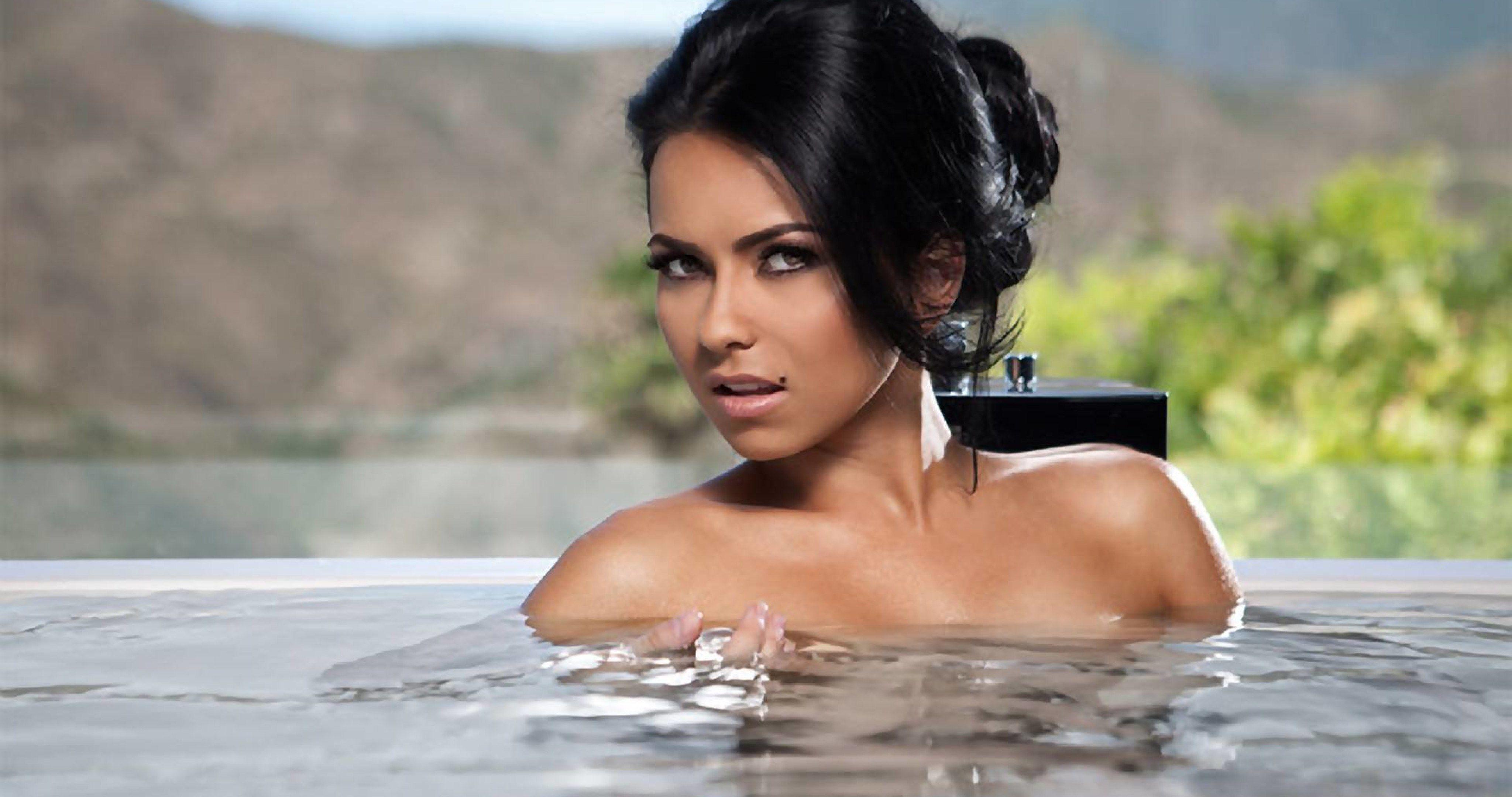 Elena Apostoleanu / INNA Nude Photos 63