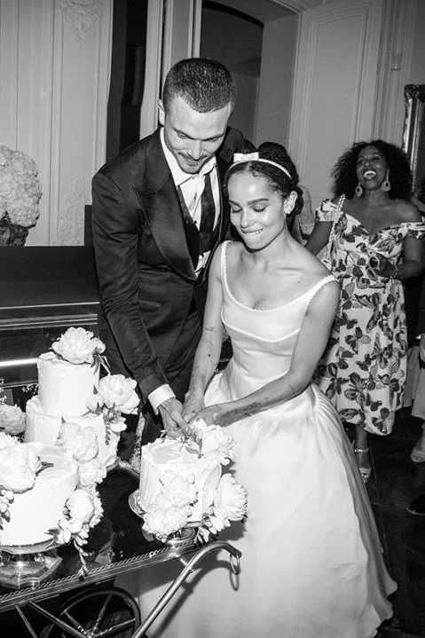 Zoe Kravitz Has Shared Unseen Images Of Her Wedding In Paris In 2020 Celebrity Wedding Dresses Celebrity Bride Celebrity Weddings