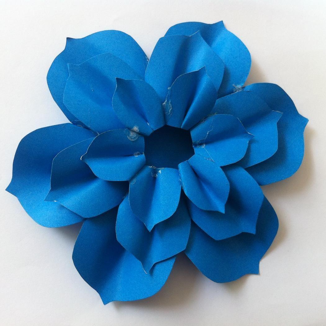 http://www.createsie.com/curator/Teresa/list/diy-paper-flower-for-mother-s-day-gift-topper-26546.html