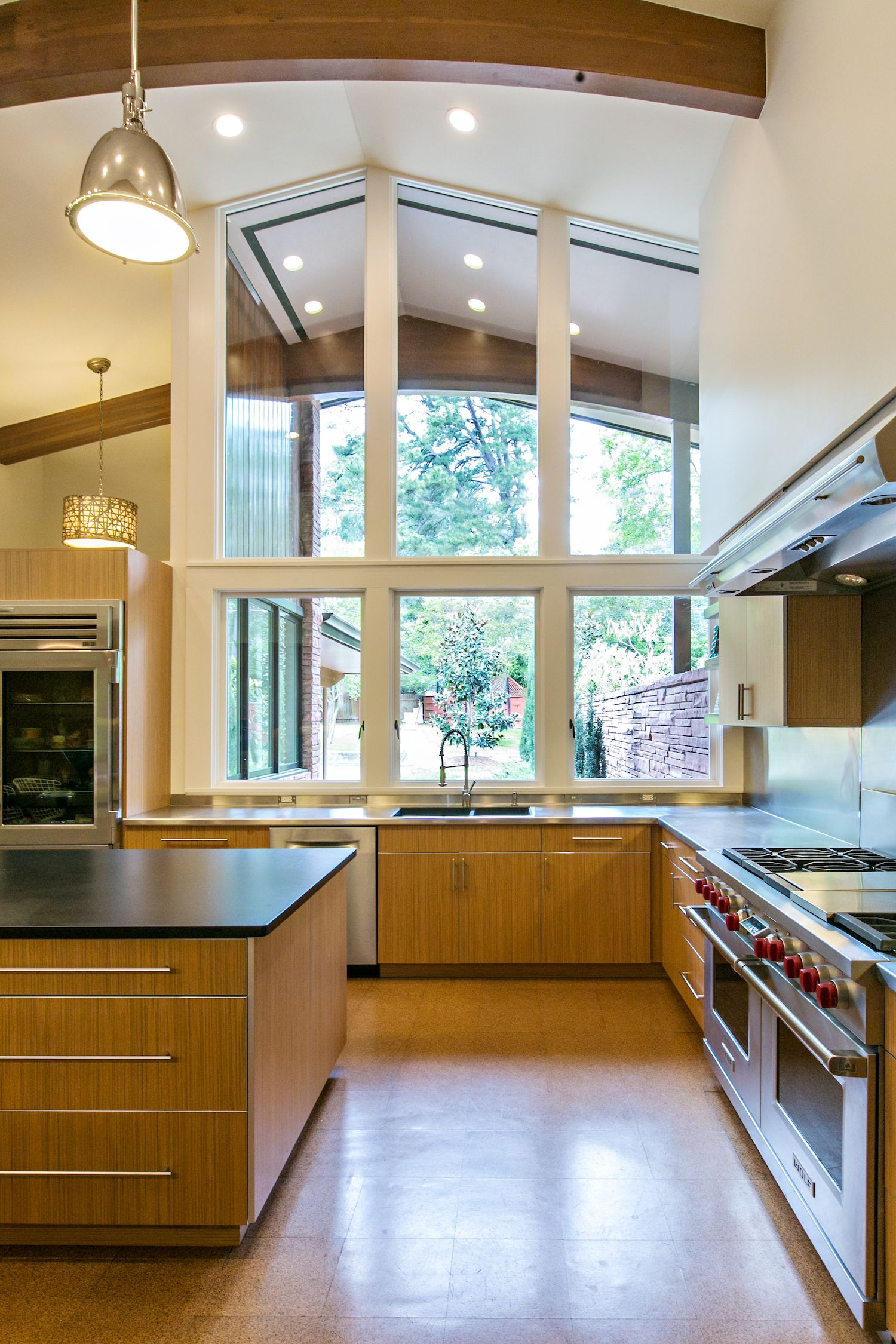 Best A Risky Remodel Yields Big Returns Modern Kitchen Design 640 x 480
