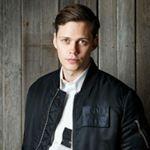 "110 Me gusta, 1 comentarios - B I L L S K A R S G Å R D (@billskarsgardsource_) en Instagram: ""NEW UPDATE    Bill at the Calvin Klein Portrait Session, in NYC!! 😍 #billskarsgard #billskarsgård…"""