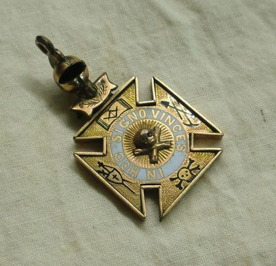 Vintage goldfilled masonic knights templar charm fob pendant in vintage goldfilled masonic knights templar charm fob pendant in hoc signo vinces mozeypictures Image collections