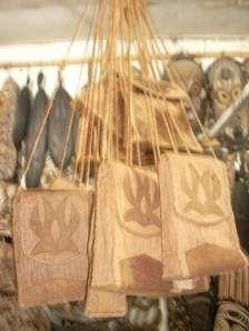 tas dari kulit kayu khas sentani lombok lombok indonesia lombok