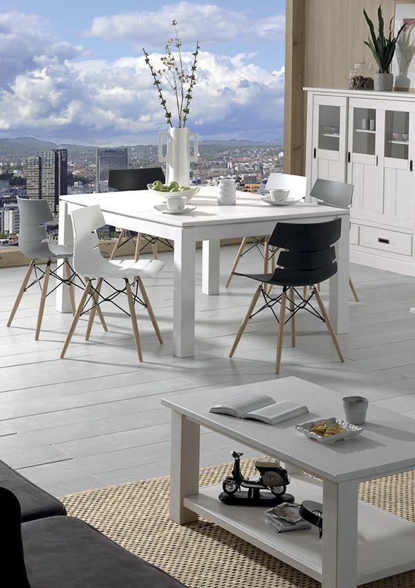 table carre lund cocktail scandinave entre tradition et modernit belles finitions pour ce salon. Black Bedroom Furniture Sets. Home Design Ideas