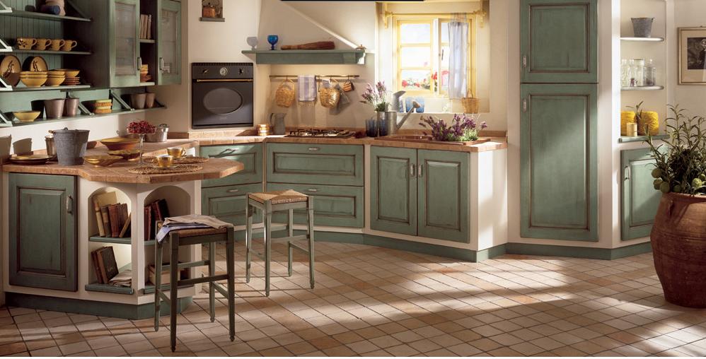 Cucina verde con sgabelli in legno arredamento shabby kitchen
