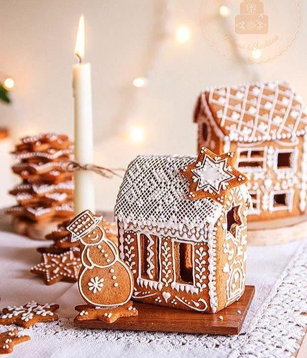 ⁘ Christmas House Cake ⁘
