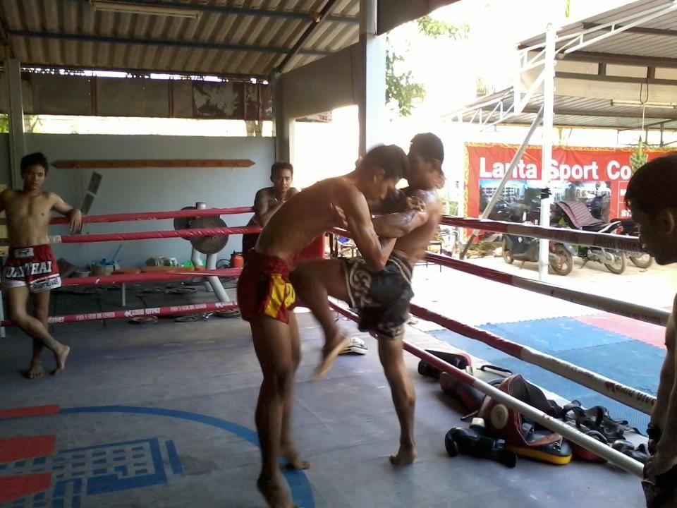 Improve health with muay thai training in thailand muay