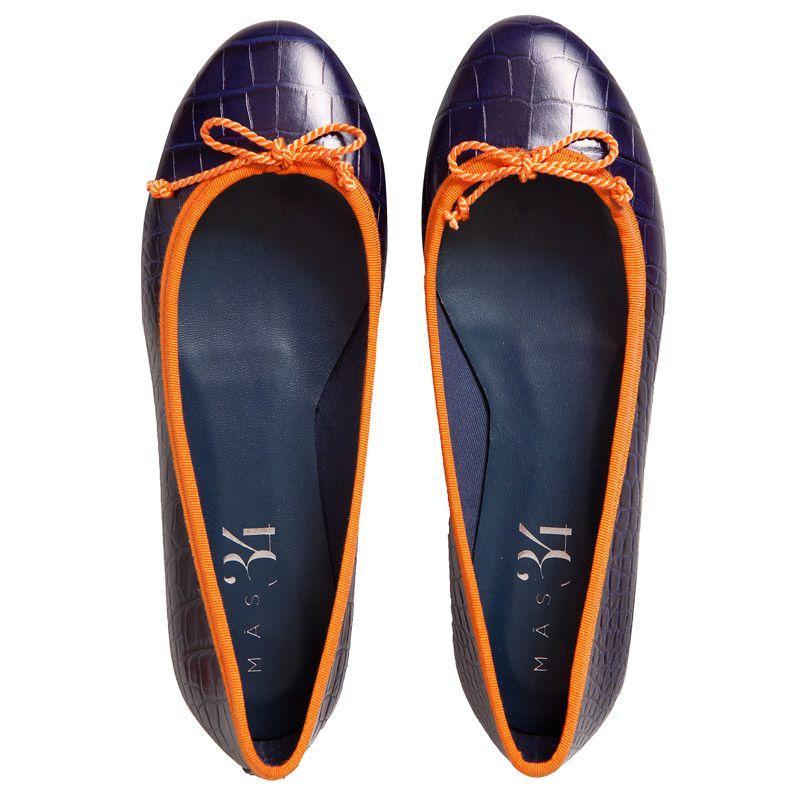 Bailarina JB de piel grabada efecto coco azul con ribete naranja Mas34 www.mas34shop.com