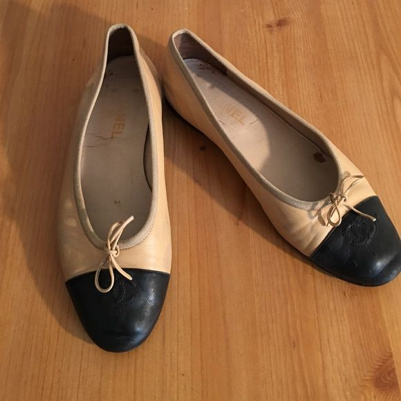 LEATHER BALLET FLATS SHOES SIZE 10 /40 PREOWNED AND WORN SEE ALL PHOTOS Shoes Flats & Loafers