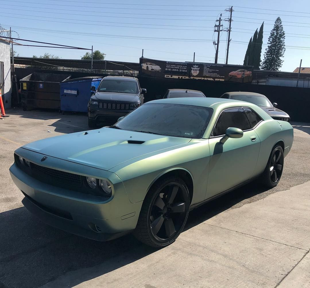 Dodge Challenger Bionic color shift pearls with yellow