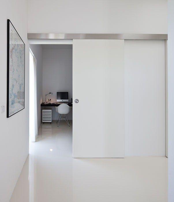 Inclosing hallway