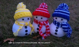 Cute Snowmen and other crocheted animals.