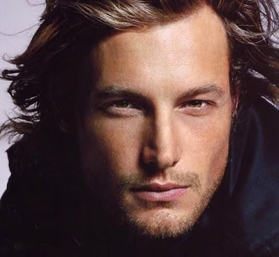 Gabriel Aubry: he is French Canadian, from my own home town Montreal, and he was on my Los Angeles-Montreal flight today with his daughter, and YES, he is that flipping beautiful.