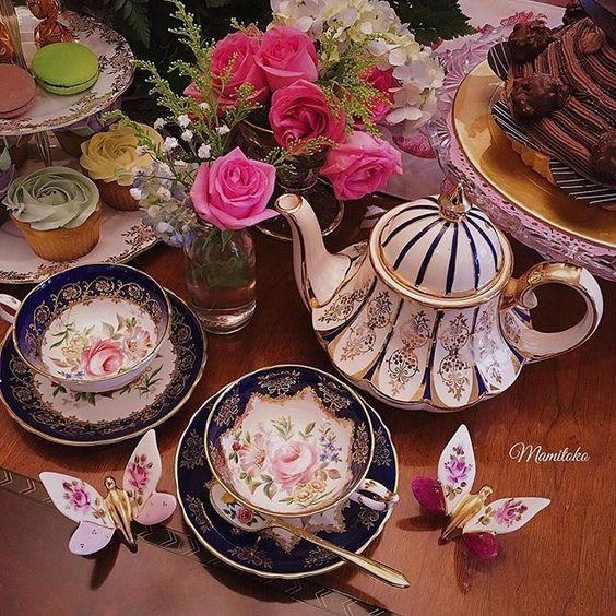 Paragon Teapot and Paragon teacup #teapot #teacup #teacuplovers…