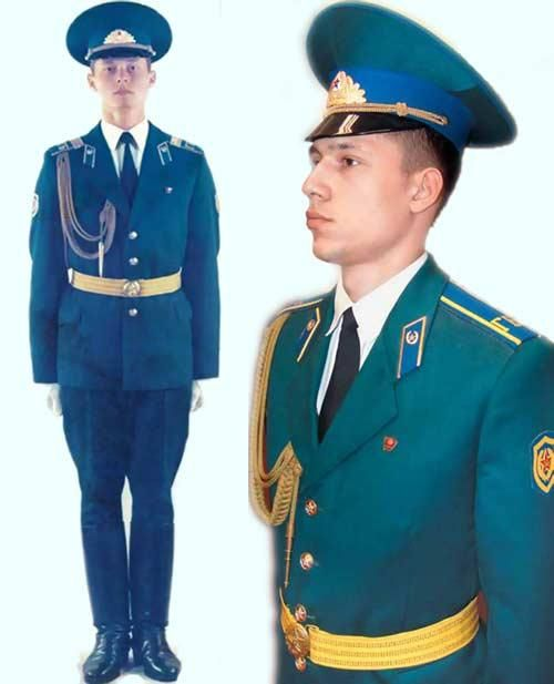 a584ffd3252 Honor guardsmen s summer parade dress uniform of the Soviet KGB Kremlin  Regiment. Find this Pin and more on World s Best Military ...